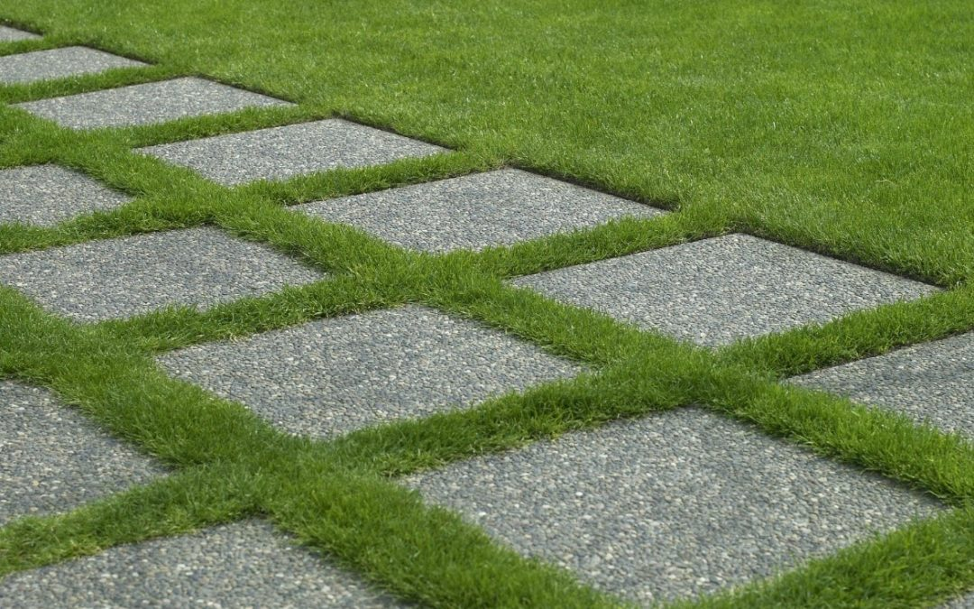 Refresh Your Driveway Design with the Best Synthetic Grass Installation